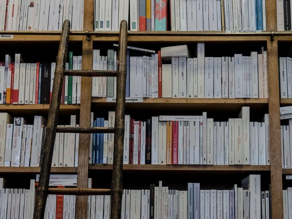Bücher, Regal